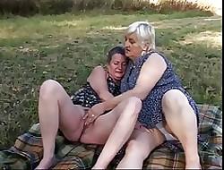 German lesbias sexe masturbated
